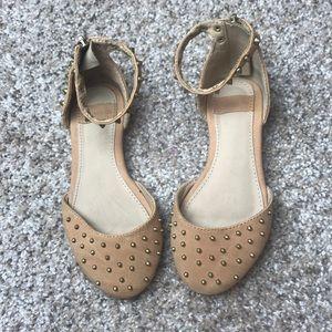 Zara girls size 25 tan shoes with spikes